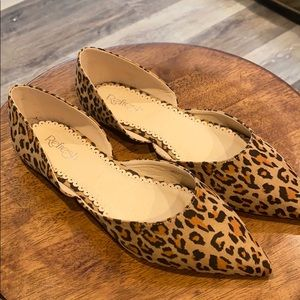 BOUTIQUE Cheetah print pointed toe flats